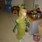 Jasper hat ein Drachenkostüm